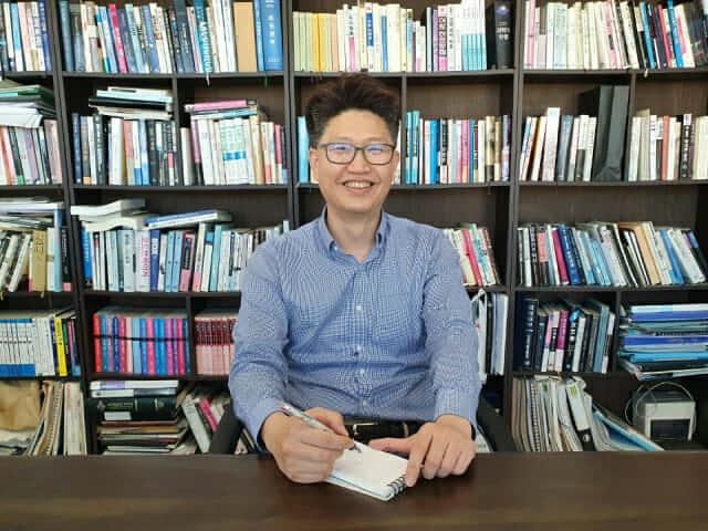 """[인터뷰]""""20년 전자문서 한 우물…AI로 새 20년 준비"""""""